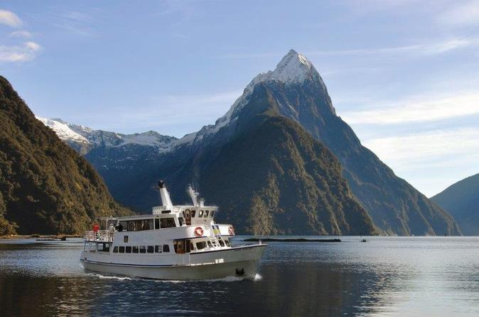 Milford sound sightseeing cruise in milford sound 245494