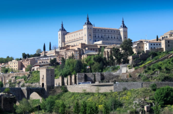Madrid Combo Tour: Toledo and Aranjuez Royal Palace Day Trip