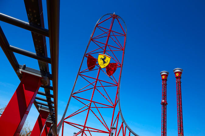 Viagem diurna ao Parque PortAventura e Ferrari Land saindo de Barcelona