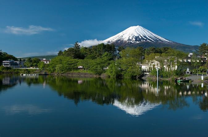 Excursão de 2 dias no Monte Fuji, Onsen e Fuji-Q Highland partindo de Tóquio