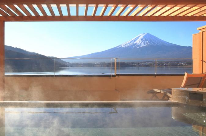 Viagem de um dia ao Monte Fuji, com experiência onsen em Yamanakako e compras em outlet saindo de Tóquio