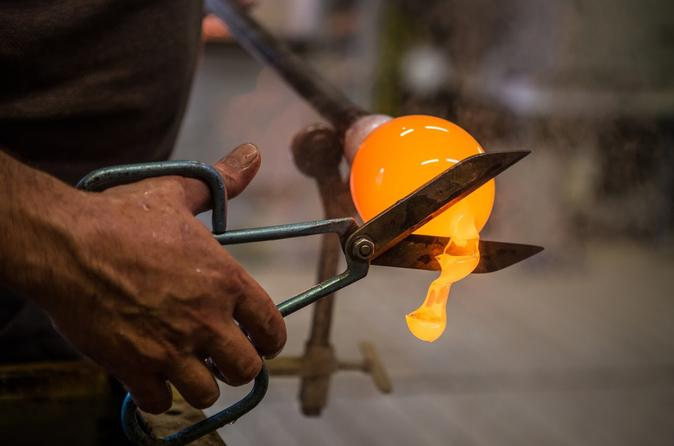 The Magic Art Of Glassblowing And Doge's Palace Skip The Line Guide Book - Venice
