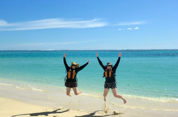 Ningaloo reef kayaking and snorkeling tour in exmouth 249648