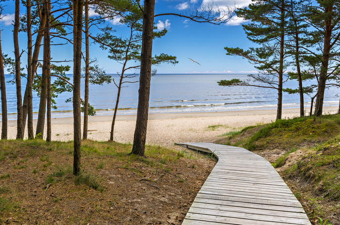 Full-Day Private Tour to Jurmala, Fisherman Villages and Nature Trails from Riga