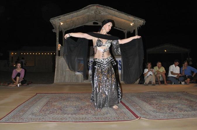 Privésafari met overnachting: zandsurfen, kameelrijden, barbecue en buikdansen