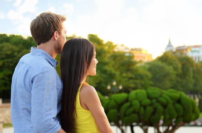 Honeymoon Photo Shoot in Madrid