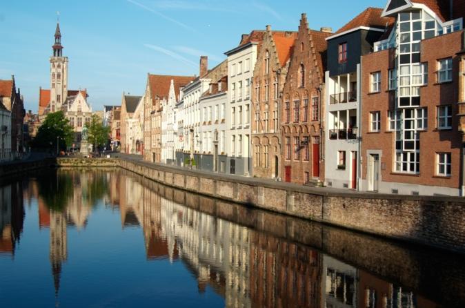 Bruxelas supereconômico: excursão turística por Bruxelas, Viagem de meio dia à Antuérpia, Viagem de um dia à Ghent e Bruges