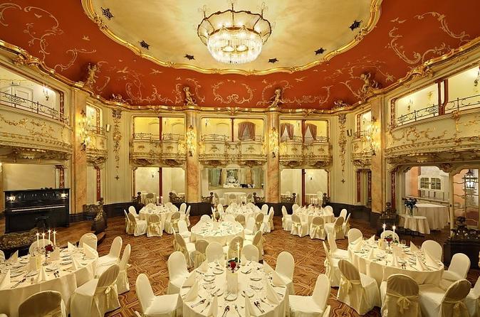 Concerto de Mozart e jantar em Praga