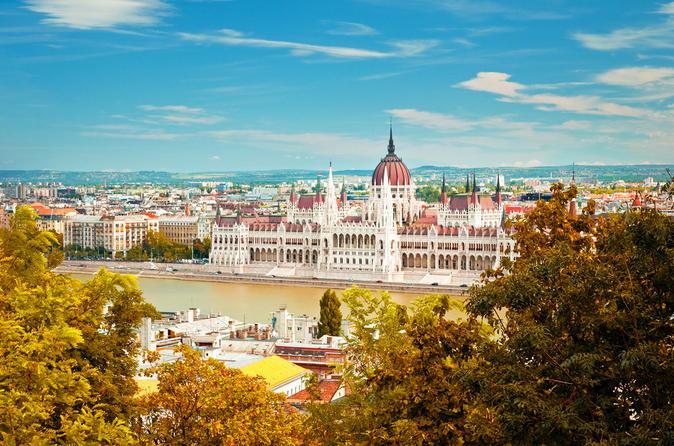 Private Round-Trip Transfer: Bratislava to Budapest