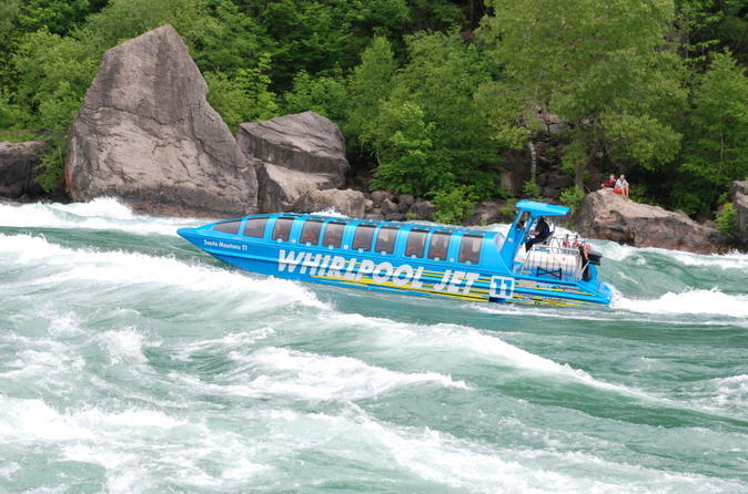 Niagara falls domed jet boat ride in niagara falls 114866