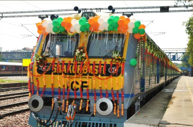 Private Full Day Taj Mahal Tour From Delhi By  High Speed Gatiman Express Train - Agra