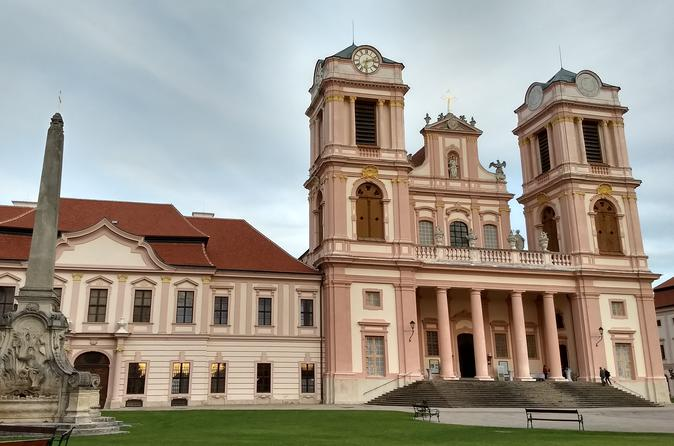 3-Hour Small-Group Alpine Hiking Tour 'Be big in Small-Vienna'