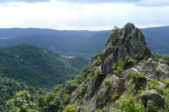 4-Hour Small-Group Alpine Hiking Tour 'In the footsteps of king Lionheart'