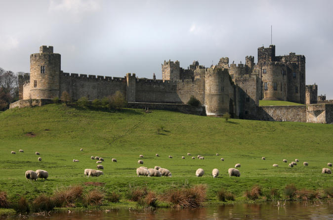 Alnwick Castle and the Scottish Borders Day Trip from Edinburgh