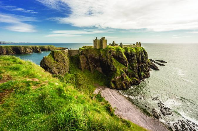 Dunnottar Castle and Royal Deeside Small-Group Tour from Aberdeen