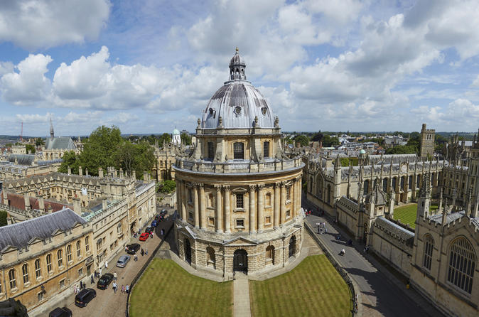 Oxford and Cotswolds Full-Day Small-Group Tour from London