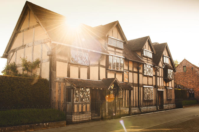 Shakespeare's Stratford upon Avon Small Group Day Tour from London