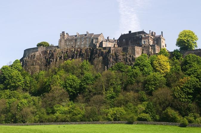 Viagem de um dia para grupos pequenos ao Castelo de Stirling e Loch Lomond saindo de Edimburgo