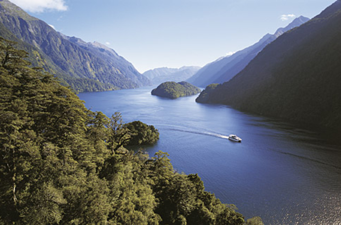 Queenstown Supereconômica: Cruzeiro por Doubtful Sound e Excursão por Walter Peak High Country