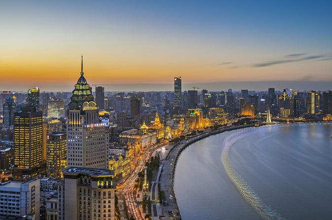 Shanghai Evening Tour including River Cruise, Local Dinner and Acrobatic Show