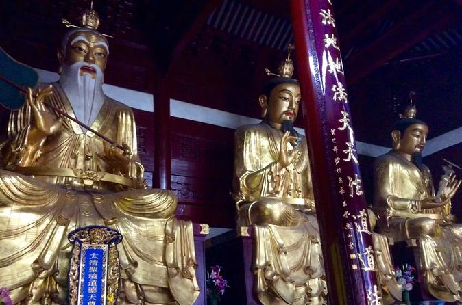 Small Group Shanghai Temple and Artwork Tour: A Deeper Understanding to Chinese Ethos