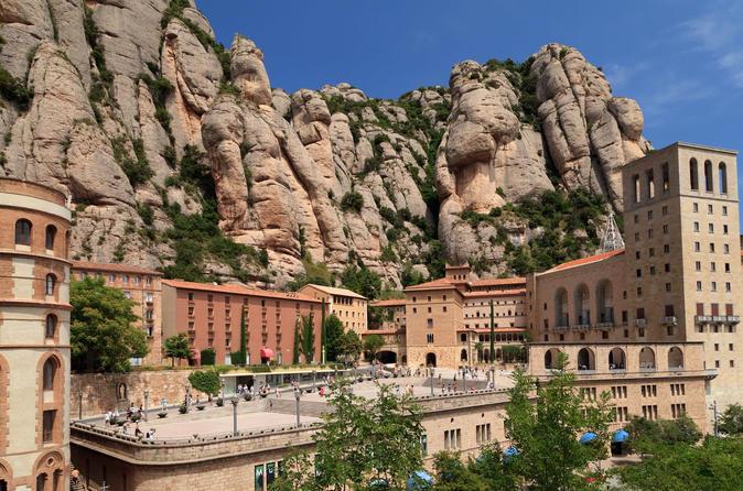 Acesso antecipado ao Mosteiro de Montserrat, saindo de Barcelona