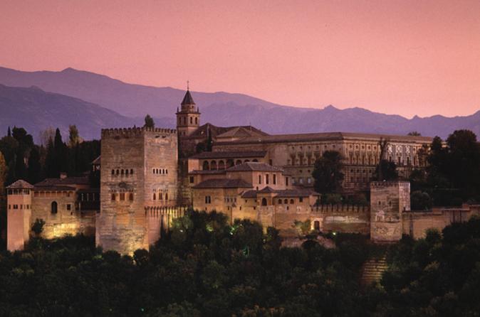 Excursão guiada à tarde para Alhambra com ingresso Evite as filas