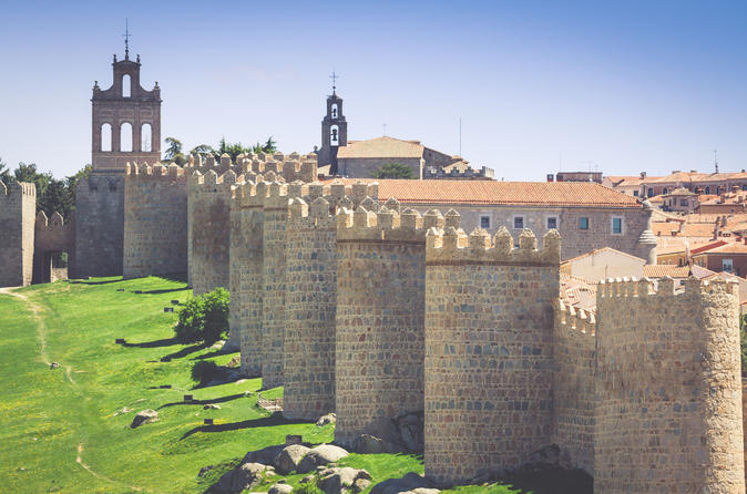 Super Saver: Avila and Salamanca Day Trip Plus Madrid Walking tour