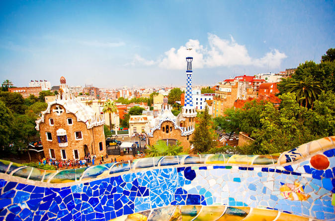Viator Exclusive: Early Access to Park Güell and Gaudi Experience