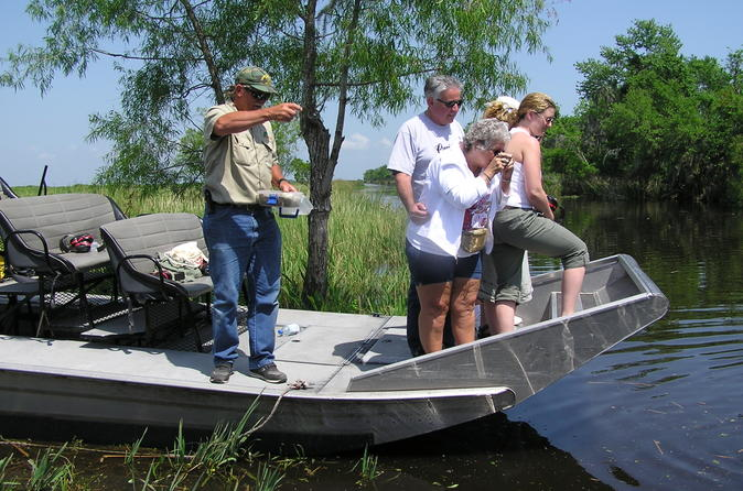 Small group airboat swamp adventure and plantation tour from new in new orleans 146802