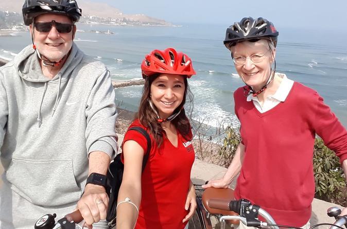 Bohemian and Beach Bike Tour in Lima