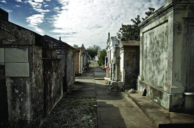 New Orleans French Quarter and Cemetery Walking Tour