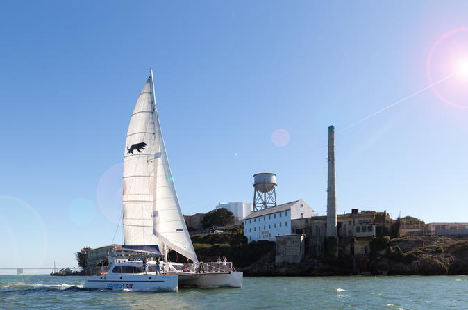 Alcatraz and San Francisco Bay Sailing Cruise