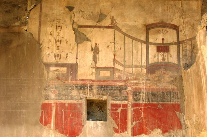 Transfer from Naples to Sorrento with 2 hours Private Tour in Herculaneum