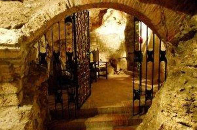 Small-Group Budapest Private Wine and Cheese Tasting Experience