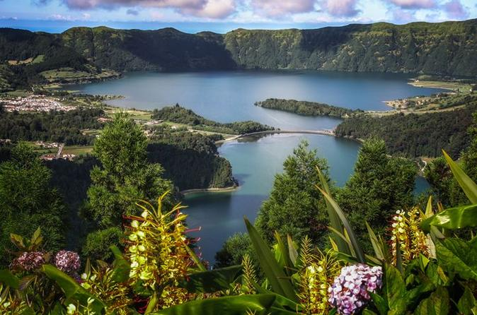 Sete cidades half day tour in ponta delgada 260598