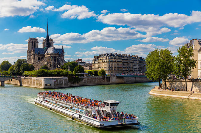 Compagnie Des BateauxMouches 1Hour Sightseeing River Cruise On Seine  Pari