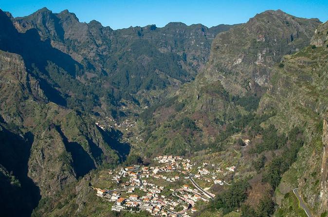 Excursão pelo Vale da Madeira das Freiras
