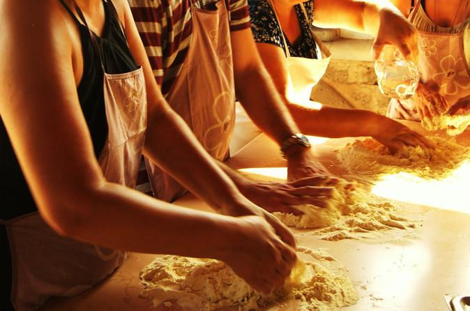 Cooking class in a tuscan historical location in certaldo 268849