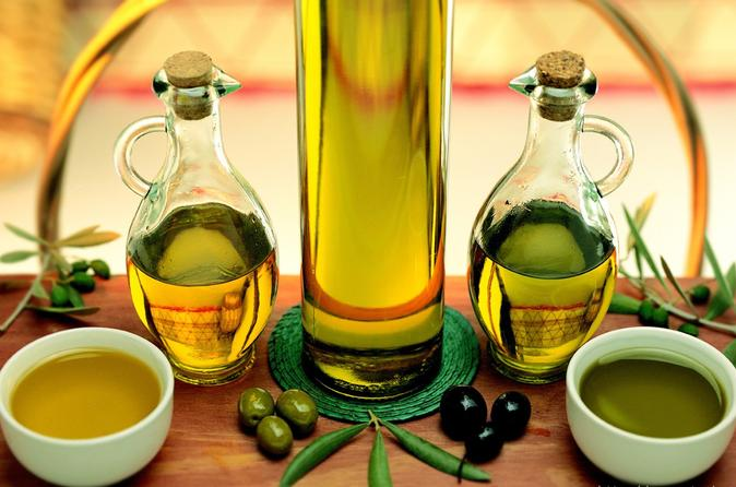 Olive oil tasting in a tuscan historical setting in certaldo 268728