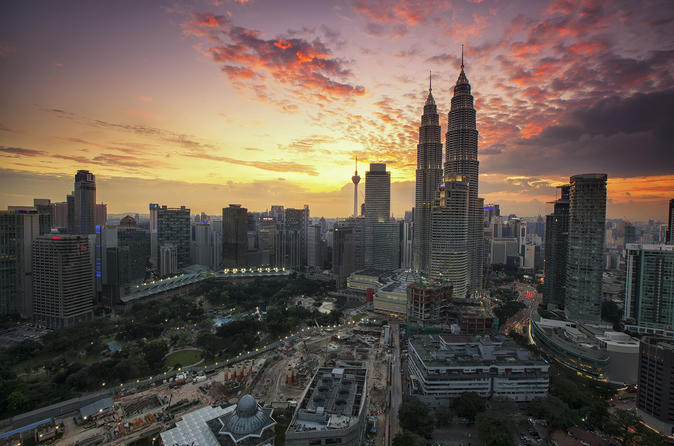 Private Kuala Lumpur City Tour & Batu Caves With KL City Gallery Ticket