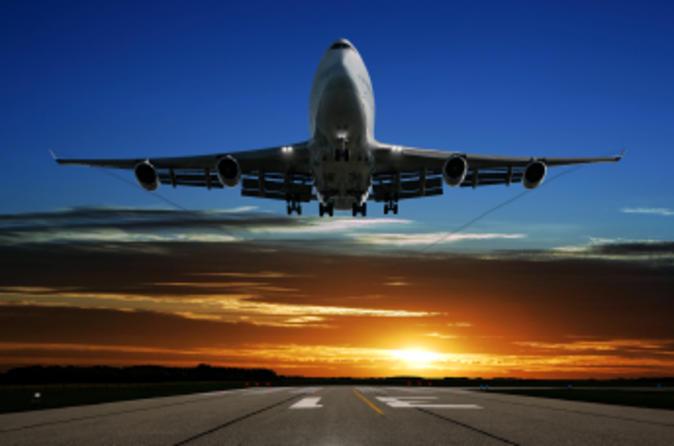 Private Departure Transfer: Hotel to Hamburg Airport