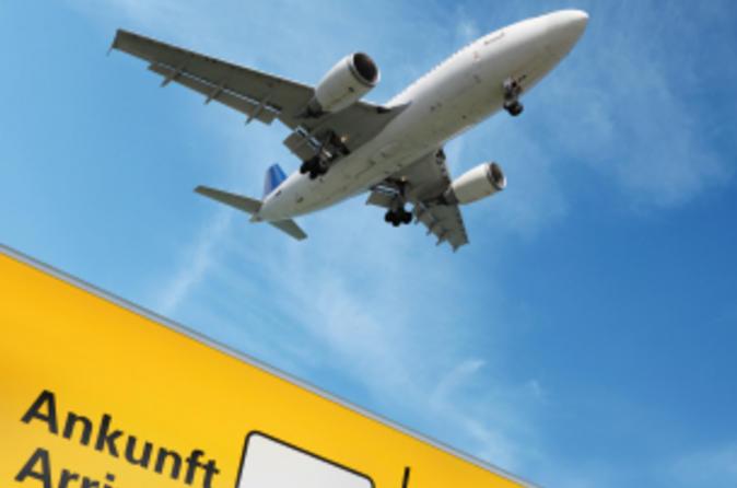Privater Transfer bei der Ankunft: Hamburger Flughafen zum Hotel
