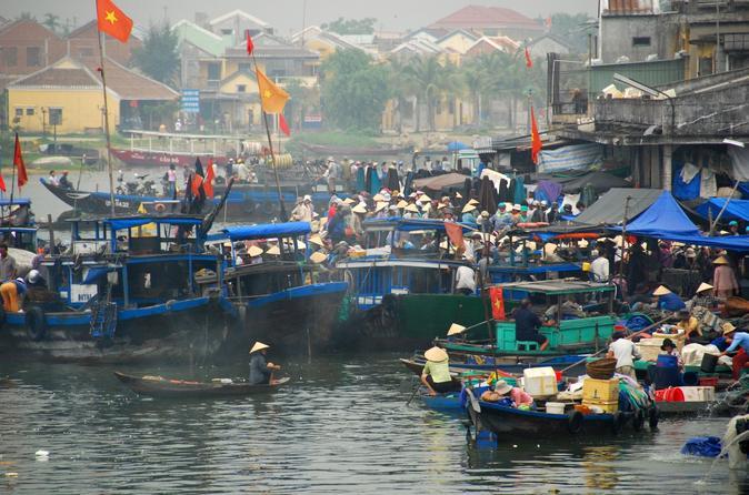 Hoi An Sunrise Cruise and Fish Market Tour