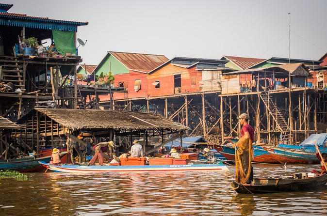 Small-Group Day Tour to Kompong Khleang from Siem Reap""