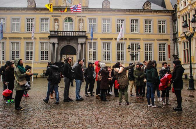 Excursão privada de destaques em Bruges com um guia local