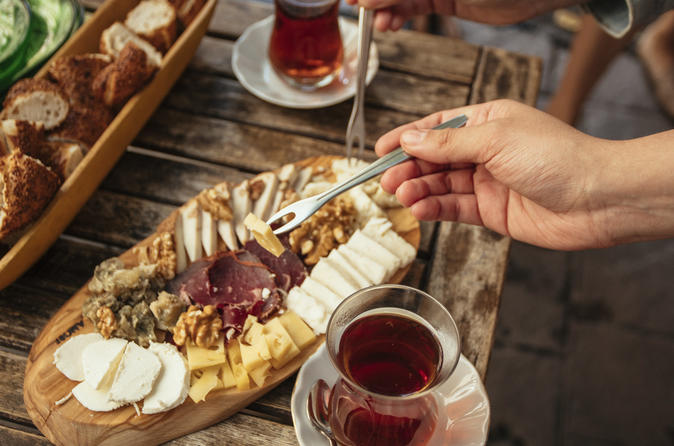 Istanbul Private Food Tour: the 10 Tastings