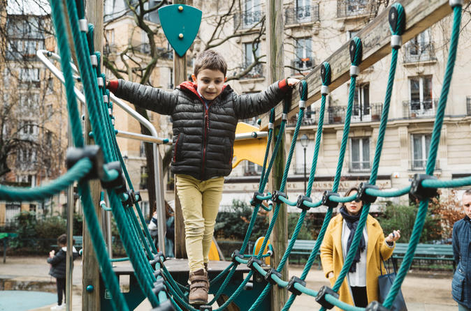 Private Tour: Bonjour Paris! Your Fun Family Introduction