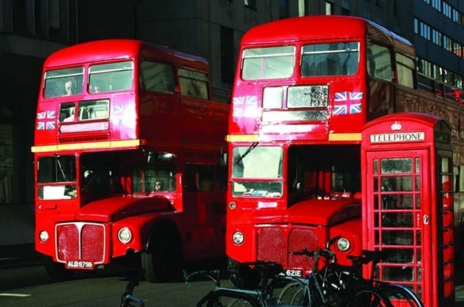 Excursão de ônibus Vintage em Londres, incluindo cruzeiro pelo Rio Tâmisa com Almoço Opcional