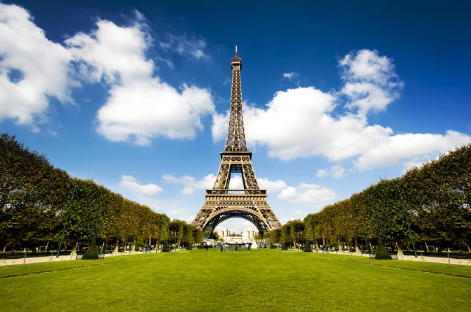 Full-Day Self-Guided Paris Tour from London by Eurostar with Seine River Cruise